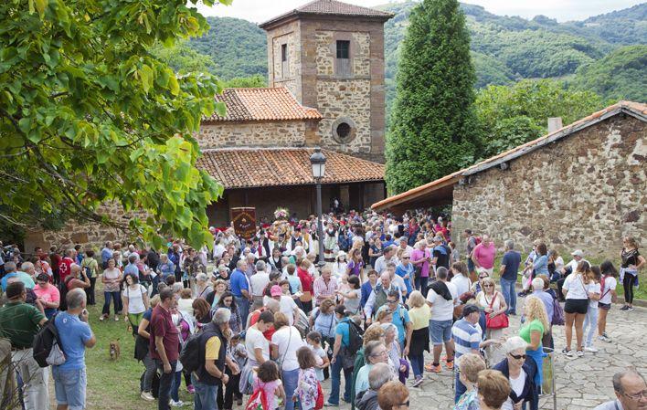 Mieres cancela Los Mártires de Valdecuna y el Mercáu Asturianu de Cenera