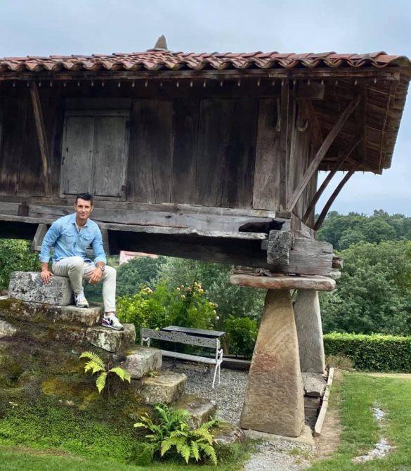 Jesús Vázquez, de vacaciones en Asturies