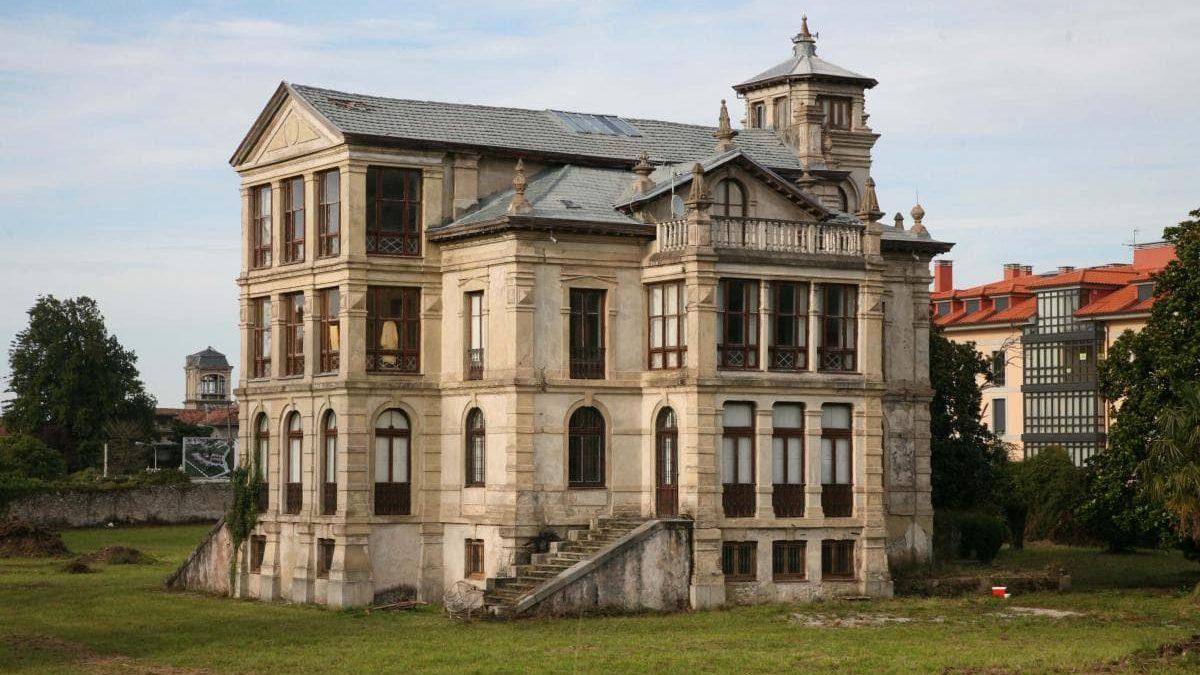 ¿Sabías que «El Orfanato» nació en asturiano?