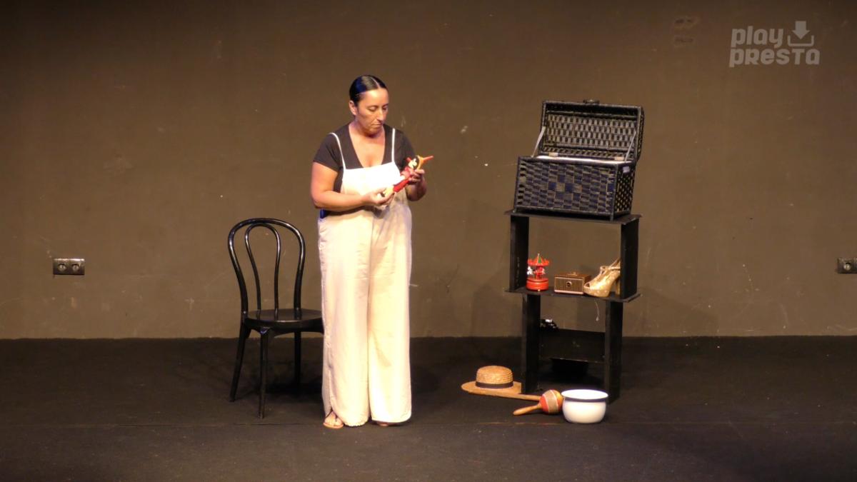 'Cachivaches' de Ana Morán, protagonista en La Reciella de la Factoría