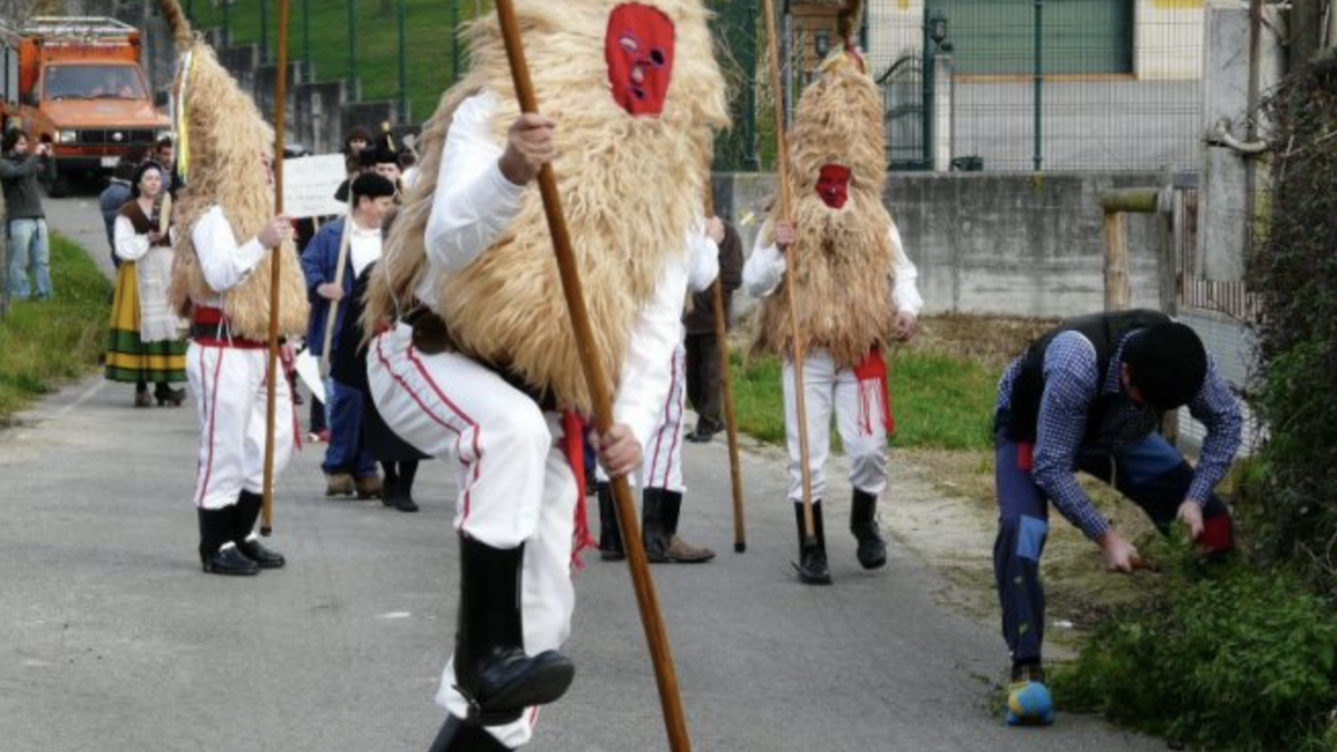 La tradición de los Sidros y les Comedies siguió magar l'andanciu y el cutu