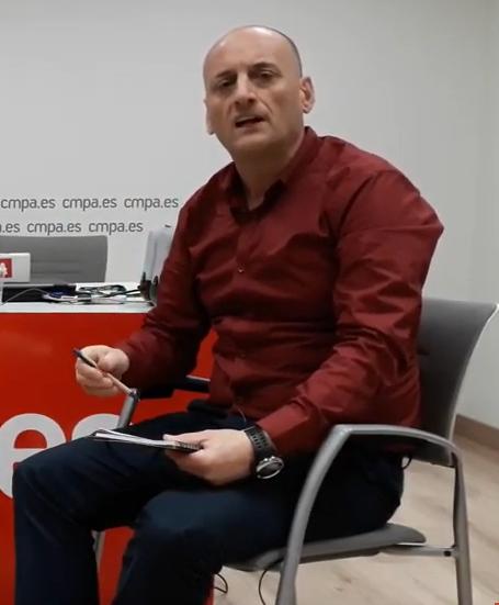 Samuel Gradín Presedo: «Una tradición que nun pue perdese ye l'escanciáu de la sidra».