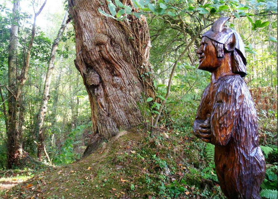 Un día de paseo por la mitología asturiana en el «camín encantau».