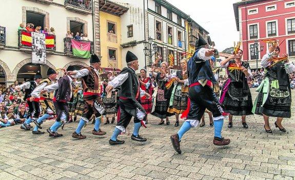 Top 4 Bailes Tradicionales en Asturies