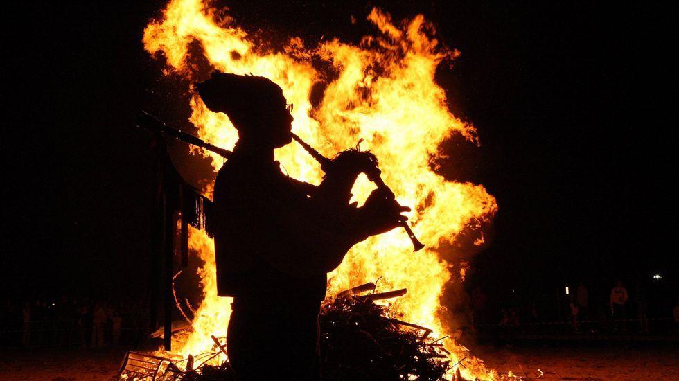 La foguera de San Xuan, una de las tradiciones con más antigüedad.